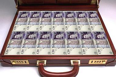 Briefcase-full-of-money-008