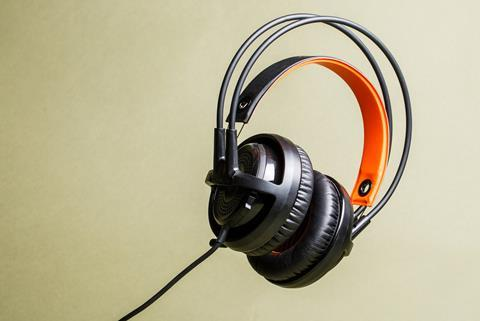 TUcker-Headphones-Gear-Patrol-Lead-Full