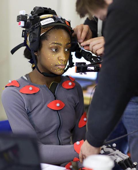 Kiss me first motion capture behind scenes mf5 b0703 copy