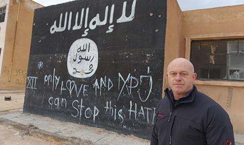 ross-kemp-fight-against-isis