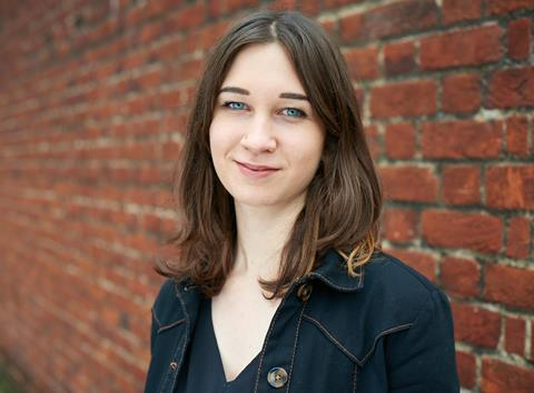 Stella Merz headshot